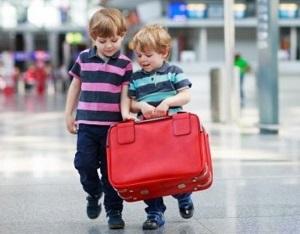 выезд несовершеннолетнего ребенка за границу без родителей