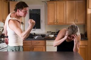 что делать если муж бьет жену